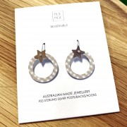 Star Outline Circle Drop Earrings - Christmas Oat Gingham